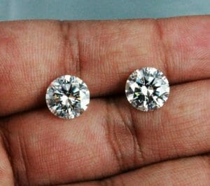 Diamonds online in Bangkok - H-color diamonds should look white like this pair of GIA certified 3 carats diamond - H-color, VS1 & VS2 clarity.