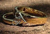 Golden Heart Shape Wedding Bands vWp