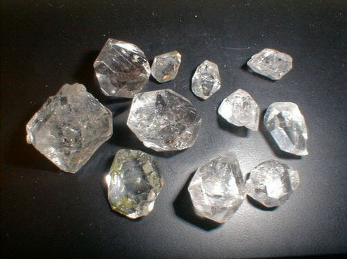 What is synthetic diamond? - Image of synthetic rough diamonds